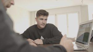Read more about the article L'importance de l'analyste tactique individuel dans le football moderne