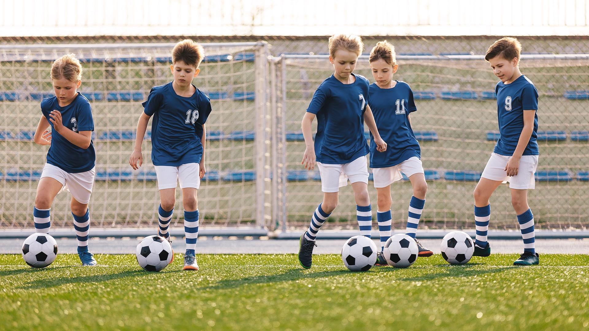 You are currently viewing Par quelles périodes de développement un joueur de football passe-t-il ?